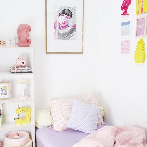 Another happy place 🌸____________________Korean sprei set @plaidpastel #koreanspreiset#bedroom #roomdecor #clozetteid