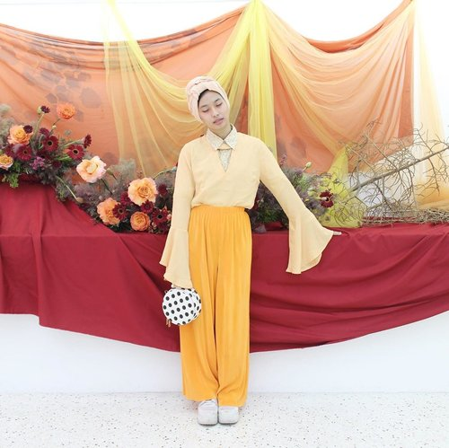 Orange is new black, season 999.....xxxx (((apesih rim))) _______________________________#ootd #ootdindo #ootdinspo #turbanstyle #turbanhijab #ootdhijabindo #hijabootdindo #clozetteid #starclozetter #ootdfashion #ootdasean #hijabstyle #hijabfashion #lookbookhijab