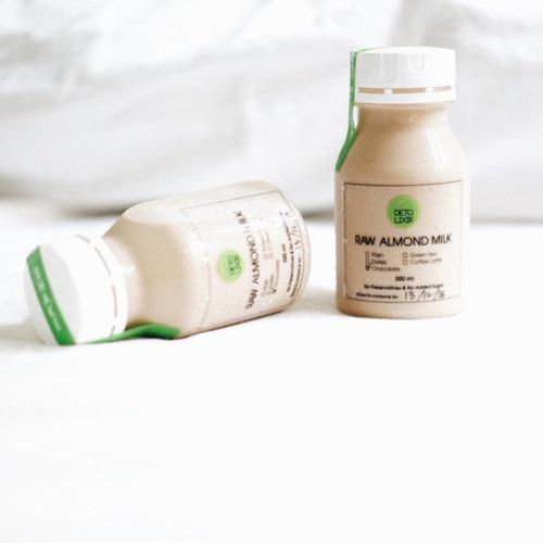 Every breastfeeding mom's bestfriend. 💚 ___ #ClozetteID #detolixir #breastfriend #almondmilk #breastfeeding
