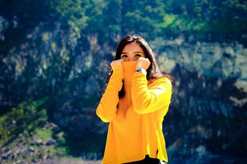 Watch your words! Speak only when you're sure that your words are better than silence. . . 📷: @ergintarigan  Taken with #fujifilmxt10 Style director: @___ellelyan 📍: #kawahputihbandung . .  Yellow sweater by #hnm  #notaninja #yellow #clozetteid #fashion #ootd
