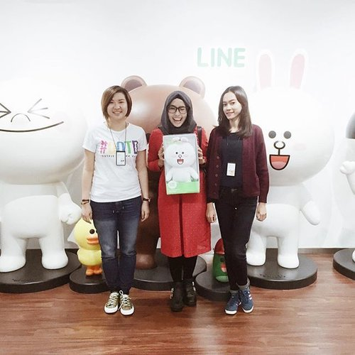 """With Fanny and Lisa from Line Indonesia. Thank you for having me and the cute Cony doll 😘 Complete story about it now up on my blog. Add my line account """"@Ladyulia"""" (with @).Happy Weekend!.#clozetteid#lineindonesia#happy"""