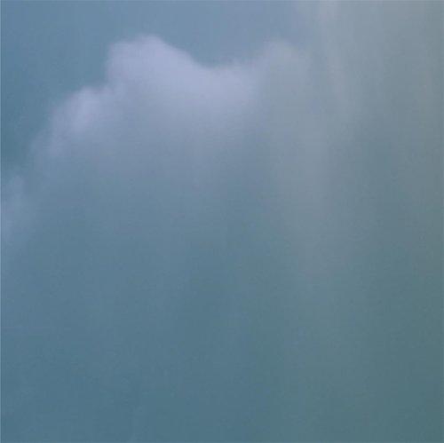 ☁️✨...#minimalfeed#clozetteid#gameoftones#shotsoniphone #suddenlycinematic #clouds#sky#ruedaily