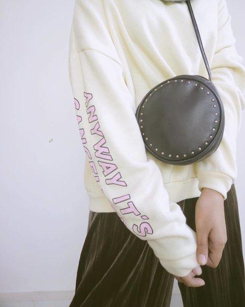 Details that I love. . . . #clozetteid #fashioninspo #hfinspo