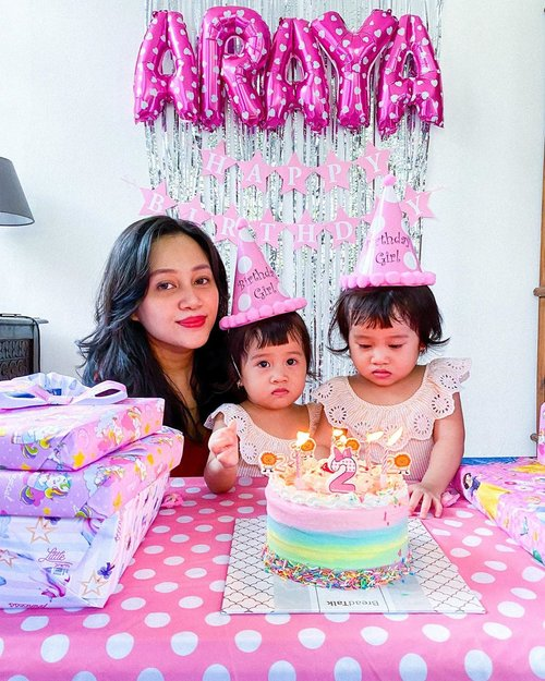 HAPPY 2nd BIRTHDAY MY TWO LOVE. No words can describe how grateful i am to be your ibuk. Thank you for the amazing two years, we have many happy years to come. I LOVE YOU MY TWO OTHER WHOLE! ❤️✨ #SingleMamaofTwins ————— #clozetteid  #SingleMama #SingleMom #SingleMomIndonesia #MomBloggerIndonesia #MamaBlogger #MamaOfTwins #TwinMama #BeautyBloggerIndonesia #JakartaBeautyBlogger #BackInTheGame #BEAUTIESQUAD #TampilCantik #SelfLove #BirthdayGirl #BirthdayTwin #FraternalTwins