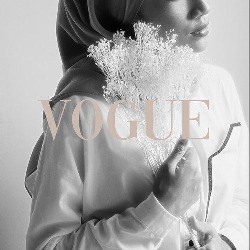 Join the trend #voguechallenge 🖤Meski gak Vogue Vogue amat 😝photo by @silmiaputri 😘-#clozetteid#voguechallenge