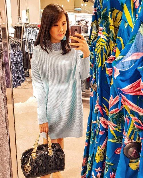 Hayoo siapa yg kangen foto begini di fashion store? Aku udah kangen banget mau jalan2 keluar sama foto2 lagi. Hoping that tomorrow will get better and better ❤ . . #mirrorselfie #mirrorchallenge #selca #ootdspot #tapfordetails . . . . . . . . . #ootd #photooftheday #beautifuldestinations #spotfoto #lacedress #iphoneonly #ootd2020 #mukbang #jktspot #kellybag #hermes #travelinladies #like4like  #fruits #grocerystore  #mothersday #travelingwomen_  #clozetteid  #thewanderingtourist #travel #linestylebuy