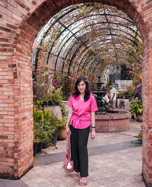 Feeling all pink with this top from @dress.lw  Good fabric and somehow I like the colour. ❤ makes you look cheerful 💖💖 . . . . . . . . #ootd #photooftheday #beautifuldestinations #lookbook #furla #findkapoor #pinkvibes #japan #sydney #followme #groundofalexandria #jersey #jktspot #wonderfulplace  #instadaily #dress #flatlays #postthepeople  #travel  #clozetteid