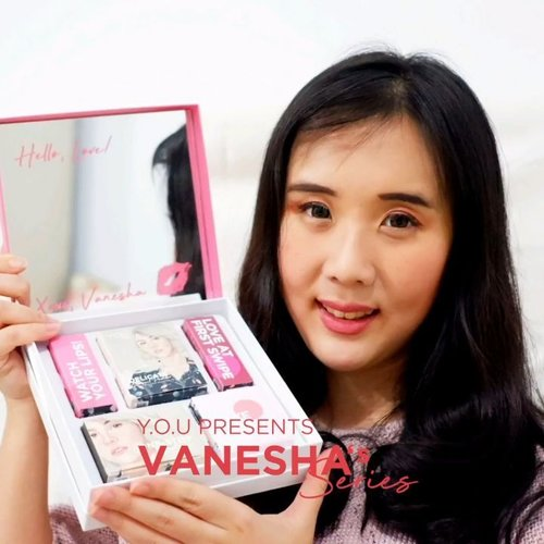 Hey girls, gw mau sharing tutorial makeup gw pakai YOU Makeup Vanesha's series yg limited edition. Gw suka bgt warna2 nya yg cheerful dan cocok di kulit. Kandungan vitamin C, vitamin E, dan jojoba oilnya mampu melembabkan kukit dan membuat wajah tampak lebih cerah. Ada SPECIAL DISCOUNT 30% untuk produk Vanesha's Series dari tgl 8-9 September 2019 di Y.O.U Official Store SHOPEE. Worth it bgt guys, boxnya gemes dan ada cerminnya ❤ Cuss diorder ya girls ❤ @youmakeups_id @shopee_id #YOUxVanesha #YOUMakeups #RevealTheRealYOU #YOUReview . . . . . . . . . #clozetteid #cosmetic #beauty #skincare #makeup #tutorialmakeup #eyeshadow #likeforlike #videomakeup #selfie #blowpermanent #korea #japan #youmakeup #nomakeupmakeup #softlens #koreanmakeup #makeupjunkies #makeupgeek #beautycare #perawatanbibir