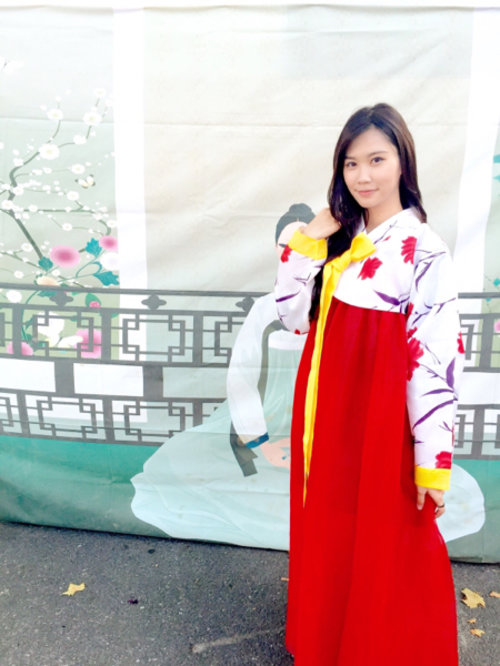 Feeling red now... In hanbok ( #korean traditional outfit) love this!!!  #cotw #floralspringstyle #clozetteid