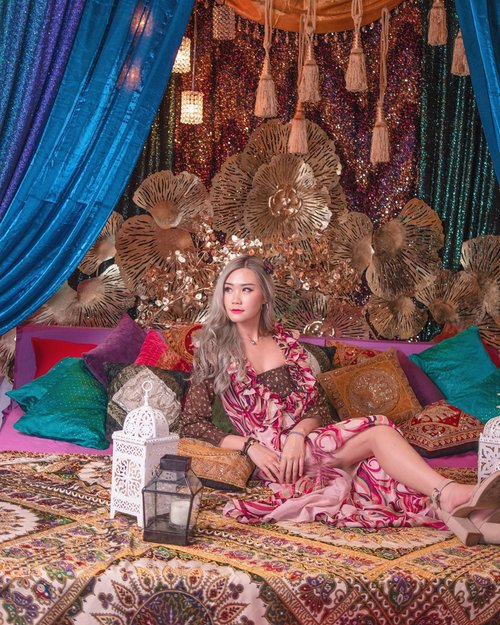 Bohemian style 💃 Wardrobe by @marley.heart  Makeup by @shiseidoid 📸 by @ysnathan_ . . . #faceicon2020 #clozetteid #bloggersurabaya