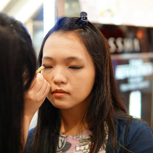 Exclusive Makeover Session with @missha.id by @jesslynlyne at @aeonmallbsdcity. 💆🏻 #clozetteid  #thejournale