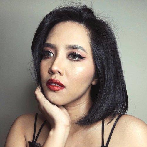 Turning 27th soon 😌  Lipstick: @riveracosmetics Gotta be Matte Lipcream ( Vibrant Red ) Lashes: @bulumata_love type 43 Eyebrow: @focallurebeauty 05 Ebony  #beautybloggers #fotd #makeup #belajardandan #mua #beautyvlogger #clozetteid #focallure #RiveraCosmetics