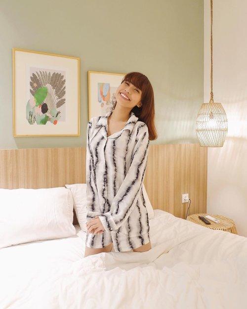 Good morning everyone💚 Wearing cute tiedye pajamas set from @mapleyourday in this cute room of @labohemejkt 😍✨ 📸: @jennitanuwijaya . . . . . #whatiwore #bloggerstyle #fashion #styleblogger #fashionblogger #style #outfit #outfitoftheday #clozetteid