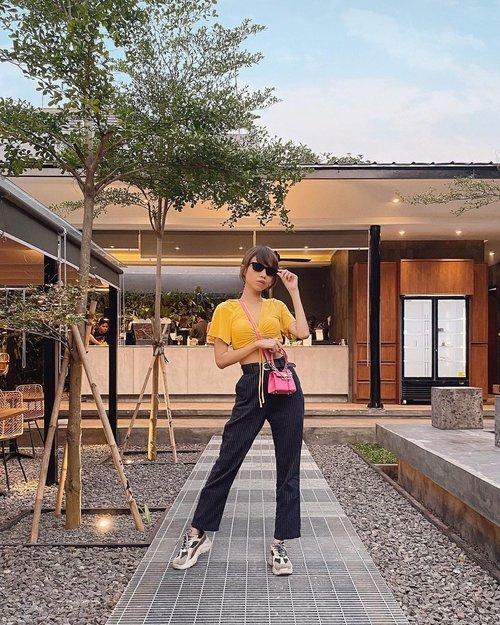 Hi guys! Gimana puasanya hari ini?✨ Akhirnya weekend kmrn ke @namdua.jkt , asik tempatnya hehe outdoor area gitu😍 ( tap for details ) . . . . . #whatiwore #bloggerstyle #fashion #styleblogger #fashionblogger #ootd #lookbook #ootdindo #ootdinspiration #style #outfit #outfitoftheday #clozetteid