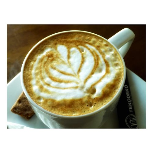 Good morning, I'll be happy to wake you up! #cappucinoaday #tekodeko #tekodekokoffiehuis  #tuesdayvibes #clozetteid