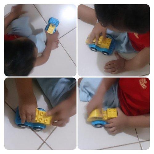 """Bu, SID bikin lagi ya."" ujar SID sekian puluh kali pada saya.  Wajahnya riang setiap kali meminta izin membongkar #LegoDuplo untuk dirangkai menjadi kendaraan sesuai imajinasinya. Saking seriusnya bermain #Lego, ia sampai melewatkan screen time film kesayangannya. . Lego Duplo milik SID sangat sederhana, hanya terdiri dari 4 bricks. Namun selama lebih dari 60 menit ia memasang-bongkar menjadi berbagai bentuk. Ia begitu menikmati permainan ini. Biasanya ia hanya tahan 5-10 menit untuk bermain puzzle. Saya aja heran melihatnya. Bahkan ia cuek ketika saya memotretnya. . Dalam hati saya berdoa semoga ada rezeki untuk membeli Lego Duplo atau ada undangan dari Lego juga saya ikhlas 😀 Aamiin. . . #lifestyleblogger  #helenamantrastory #blogger #clozetteID #family #lifestyle #health #playidea #kids #montessori #montessoriplay #homeschool #idebermain #parenting #homeschooling #mommyblogger #kidsofinstagram #kecerdasanmajemuk #multipleintelligence #sekolahalamsemesta #dailyparenting #family4ever #family_time #familyadventure #familyblessing #familybonding  #doitforyourfamily"