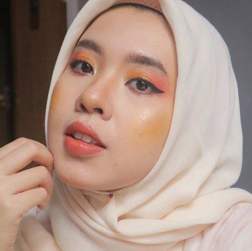 Sunset 🌅 #clozetteid #makeuplooks #makeup #dandanalatidi #beautyenthusiast  #beautybloggerindonesia #30daymakeupchallenge
