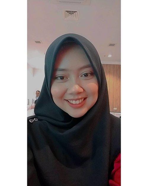 Sisa kemarinMenunggu pak @syasinlimpo #clozetteid #beauty #bloggerperempuan #hijab