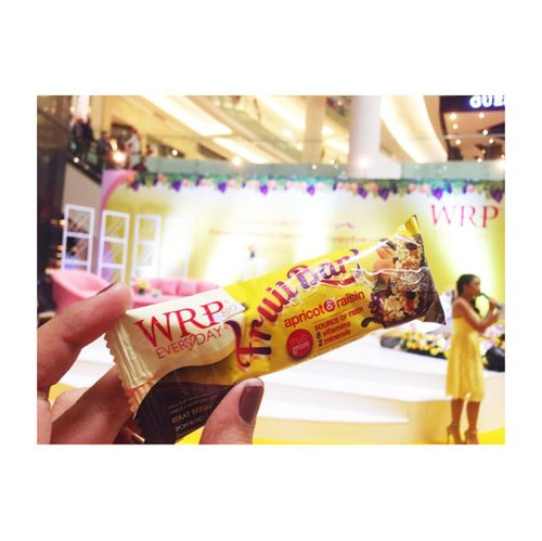 And this is WRP Fruit Bar 😍😍 --- #wrpeveryday #ngemilFruitBAReng #HappyEveryday @wrpeveryday @wrpdiet_official --- #makeupjunkie #jakartabeautyblogger  #blog #blogging #blogger #dailylife #dailymakeup #beautyproduct #beautyreview #igdaily #beautyblogger #like4like #bloggerindo #bloggerswanted #bloggerstyle #bloggerlife #bloggerlifestyle #indobeautygram #beautybloggerindonesia #bloggerlife #bloggerindonesia #clozetteid