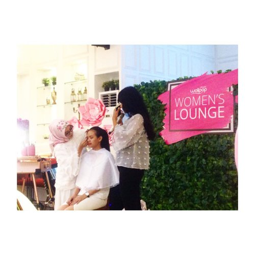Flawless Glamour Make Up Demo by @diniindriya --- #WolipopWomensLounge @wolipop @detikcom --- #makeupjunkie #jakartabeautyblogger  #blog #blogging #blogger #dailylife #dailymakeup #beautyproduct #beautyreview #igdaily #beautyblogger #like4like #bloggerindo #bloggerswanted #bloggerstyle #bloggerlife #bloggerlifestyle #indobeautygram #beautybloggerindonesia #bloggerlife #bloggerindonesia #clozetteid #bvloggerid #jakartabeautyblogger #indonesiabeautyblogger