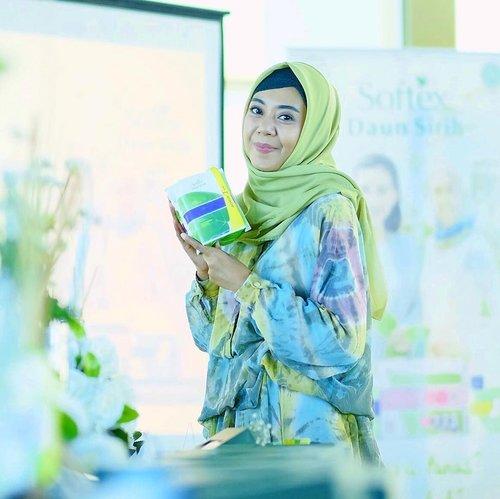 Hari ini hadir di event meetup blogger Maakassar, ngobrol sehat bebas worry bersama @hijup dengan dukungan @womanhealthypedia softex daun sirih..Ini pembalut wanita yang tanpa bahan kiima, natural higiniese, dan pembalut kewanitaan pertama di Indonesia yang bersertifikasi HALAL. ..#HIJUPxSoftexDaunSirih #BersihSehatBebasWorry #HijupBloggersMakassar #RamadhanRayaHIJUP #clozetteid