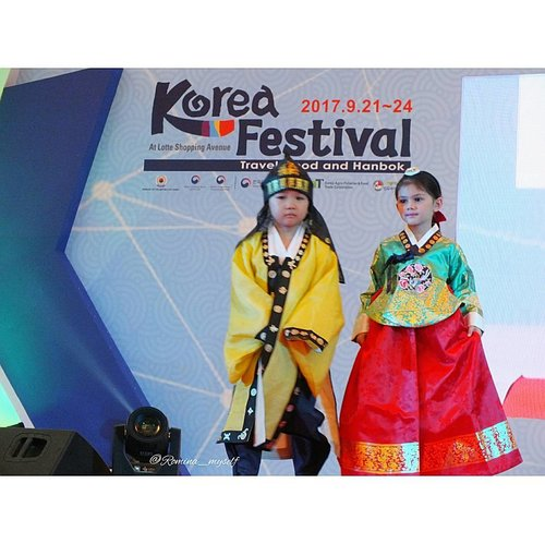 Hanbok Fashion Show by @dainhanbok for @kfestival 2017......#KFESTIVAL2017INDONESIA #KFESTIVAL #KFESTIVAL2017 #조윤주 #한복 #한복패션쇼 #lastnight #fashionshow #kids #hanbok #kidsinaction #hanbokkerajaan #runway #catwalk #fashion #kidsfashion #kidsstyle #kidsfashionshow #fashionblogger #koreandesigner #eventjakarta #instaevent #koreanculture #kdrama #indonesiakorea #loveindonesia #lovekorea #clozetteid #koreanstyle #koreatraditionaldress
