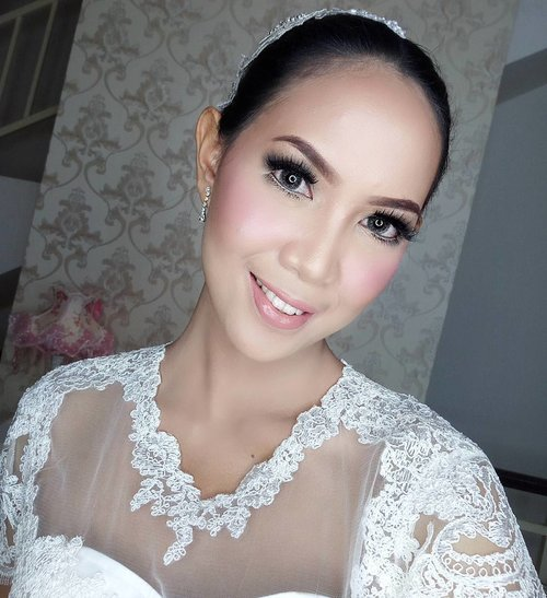 Bridal makeup by @muktilim 😘 No edit, cuma makeup & ring light super maksimal 😁  #clozetteid #bridalmakeup #bridetobe #bridesmaids #bridalhair #makeup #mua #muajakarta