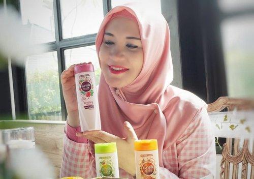 I am here at #sunsilkhijabsister gatheringAku bisa jadi yang pertama mengetahui rangkaian perawatan Hijab terbaru dari @sunsilkidPlus dapat ilmu lagi dari @laudyacyntihiabella dan @khanaanshamlan how to #UncoverPossibilities yaitu bagaimana menggapai impian kita kalau kita mau berusaha 😊.Nantikan review lengkapnya di www.rj-story.com ya 😘#clozetteid #rj_storydotcom #rj_newblogpost