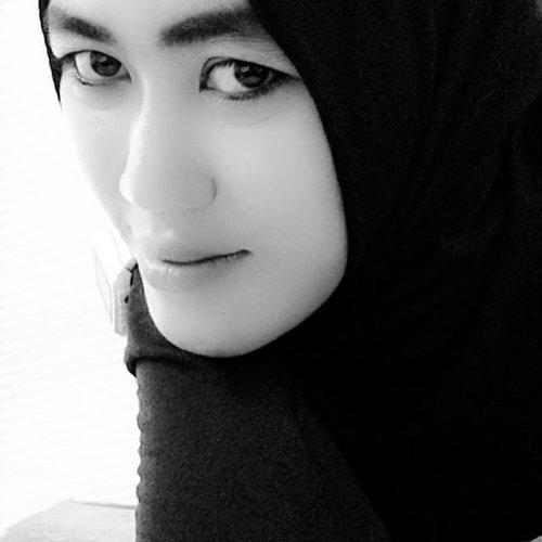 #blacknwhite #hijabstyle #clozetteid #loveinhijab #photograph #ootd #hijabfashion #lovephotograph #lovefashionstyle #fashionista #simplehijab #hijabersindonesia #loveinsta @loveinhijab @hijab_style_de @hijab_stylee @hijabiselegant