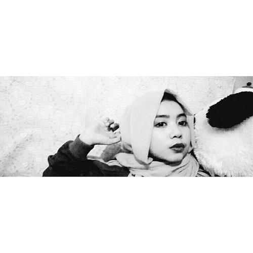 #ootd #hotd #nike #pashminarawis #clozetteid #kulotpants #wardahlipstick #cute #freeday #circlepashmina #like4like #clozetteid #cuteness #f4f #igers #hotdindo @clozetteid @hotd.indo #bweffect #adidasjacket