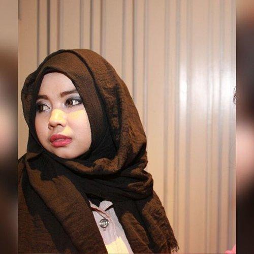 #like4like #latepost #blackhijab  #photobooth #photogrid #parka #clozetteid #cuteness #redlips #makeupbynaked2 #chubby