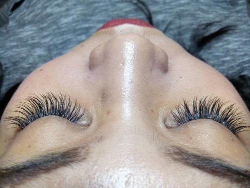 My gorgeous eyelashes by @rinbeautystudio. 😍  Baca pengalaman pemasangan extension bulu mata di @rinbeautystudio on my blog: bit.ly/RIN-bulmat or click link on my bio!  #vinasaysbeauty #VSBxRIN #rinbeautystudio #extensioneyelash #extensionbulumata
