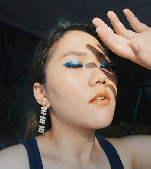 Ice and Fire ❄🔥 . #blue #makeup #sunset #selfie #clozetteid