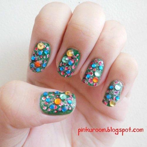 Blinky nails for christmas! ♥@nyxmakeupid #nyxchristmascontest #nailjunkie #nailpolish #nails #nail #nailart #nailartjunkie #nailoftheday #blinks #blinkynail #christmas #potd #colorfulnails #clozetteid #pinkuroom