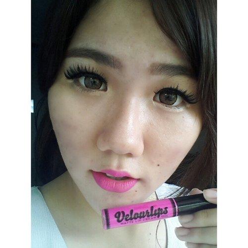 My current favorite bold lippies ( ´ ▽ ` ) #sweetpeachgiveaway  #selfies #selca #selfie #boldlips #australis #verlourlips #clozetteid #closeup #bblogger #blogger #beautyblogger #beauty #makeup #beautybloggerindonesia #indonesianbeautyblogger #lippies #lipcream #maliboo #fotd #motd #potd #instagood #instamakeup #instafamous