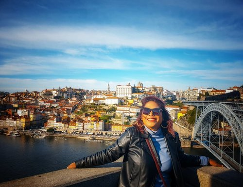 Porto from another side island. One is for historical and touristic site and the other one is more winery spot . #clozetteid #travelling #travelaroundtheworld #porto #portugal #portoportugal #aroundtheworld #aroundcityporto #travelstyle #streetstyle #streetwear #dsywashere #dsybrangkatlagi