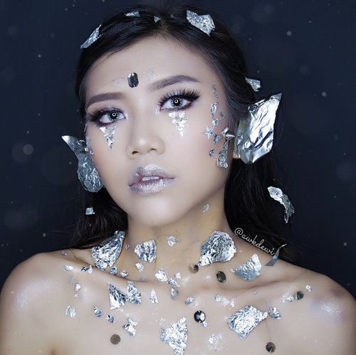 SILVER GODDESS The Goddess Has never been lost , it is just the some of us have forgotten how to find her , So this is our collab with @beautycollabgram and swipe up to see the others . Foto 10  1. @adindaaya 2. @nonamakeup1920 3. @awkdewi 4. @dwinovmakeup89 . Lashes by @laveshlashes Softlens: X2 Ice Silver-Light grey @athala.store  #collabmakeupmei #collabmakeupigpod #beautycollabgram #goddessmakeuplook #collabmakeuplook #goddessmakeup #indobeautygram #indobeautyvlogger #Indobeautyblogger #openendorse #indonesianfemaleblogger #likeforlike #lfl #endorsement #jakartabeautyblogger #vloggerjakarta #beautyvloggerjakarta #makeup #beautynesiamember #halloweenmakeup #makeupparty #nyxcosmeticsindonesia #bvloggerid #beautysquadid #ivgbeauty #bunnyneedsmakeup #indobeautysquad @bunnyneedsmakeup @indobeautysquad @ragam_kecantikan @tampilcantik #tampilcantik #clozetteid