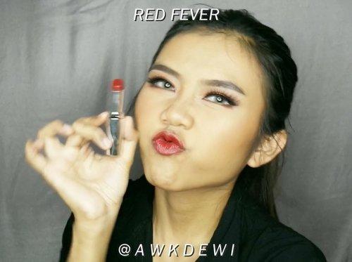 Swatch new lipstick!😍❤️ @id.oriflame The One Colour obsession listick . Lipstick terbarunya oriflame ini ada 6 warna dan smuanya satin finish😍❤️ tapi gk lengket samsek Dari ke 6 warna aku paling suka Shade yang Red Fever & peach passion!😍❤️ warnanya cakep bgt😍❤️❤️ @id.oriflame @id.oriflame . #indobeautygram #indobeautyvlogger #Indobeautyblogger #openendorse #indonesianfemaleblogger #likeforlike #lfl #endorsement #jakartabeautyblogger #vloggerjakarta #beautyvloggerjakarta #makeup #beautynesiamember  #bvloggerid #beautysquadid #ivgbeauty #bunnyneedsmakeup #indobeautysquad #makeuptutorial @bunnyneedsmakeup @indobeautysquad @ragam_kecantikan @tampilcantik #tampilcantik #clozetteid @makeup_clips #makeupclips @tips__kecantikan #tutorialmakeuplg #underratedmuas @makeup_clips #makeupclips @makeupgalss