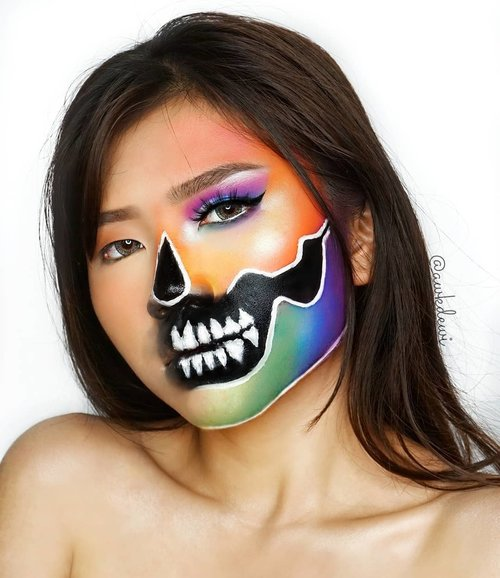 Rainbow Skull 💀☠ Recreate: @jamescharles . @morphebrushes 35B eyeshadow palette . #100daysofmakeup #indobeautysquad #indobeautygram #makeup #jamescharles #Clozetteid #makeuptime #like4like #skullmakeup