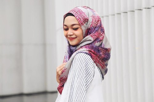 Sometimes speech is like the beauty spot on the face which enhances the beauty of the person. Special thanks to @sugarscarfpremium ❤️✨ #clozetteid