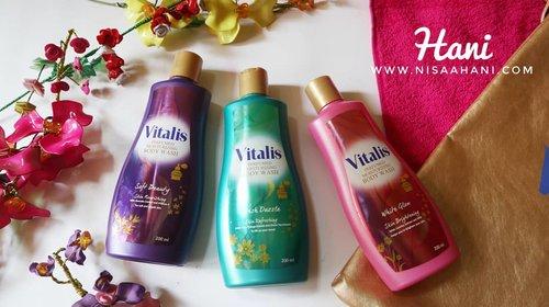 -Mandi Parfum-  Jangan lupa mandi sebelum beraktifitas. Kalo malas mandi, coba pakai @pesonavitalis body wash. Wangi semua, bikin semangat mandi wlpn pagi2 mendung begini. 😍  Cek lebih lengkap di blog www.nisaahani.com ya buat cerita lebih lengkapnya. 💃  #MandiKeharuman #mandiparfum #bodywash #clozetteid #beauty #fragrance #l4l❤️ #likeit #likesreturned #l4likes