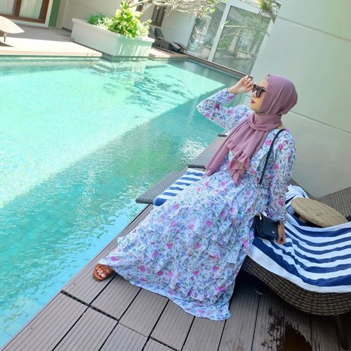 Good morning, my future ✨#clozetteid #bali #summervibes #oceanbreeze #smile #travel #travelblogger #hijabstyle #hijaboutfit #hijabtravellers