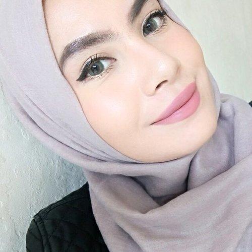 Review : Nars Sheer Glow Foundation shade Punjab (Medium1) ▶ http://www.duapuluhtujuhdesember.com/2017/09/foundation-review-nars-sheer-glow.html ❤ #foundation #foundationreview #duapuluhtujuhdesember #blogger #beautyblogger #indonesianbeautyblogger #clozetteid #clozettedaily #fdbeauty #femaledaily #FOTD #makeup #hijab #beauty #highendfoundation #nars #narsissist #narssheerglow #punjab #beautyreview