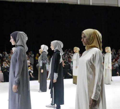 "Koleksi @ltruofficial dalam Annual Fashion Show 2018 ""Let's Talk"" udah diulas di blog #nianastitidotcom yah, silakan mampir 😆🙏.#LtruAnnualShow2018 #LtruLetsTalk2018 #Ltru #modestfashion #clozetteid"