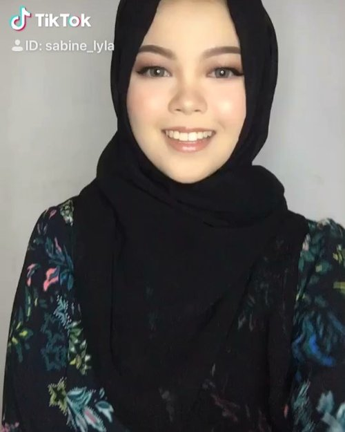Say so .......... #anastasiabeverlyhills #hudabeauty #shophudabeauty #wakeupandmakeup #instahijab #likeforlike  #Instabeauty  #beautybloggerindonesia #indovidgram #indobeautygram #clozetteID #hijabers #hijabiindonesia #hijabimalaysia #hijabmakeup #hijabfashion #makeup #sigmabeauty #sigma #bunnyneedsmakeup #tiktok #dojacat #dojacatsayso #sayso #tiktokdancechallenge