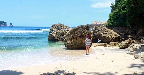 Because, my brain need vitamin sea 🌊#throwback #mndaholiday#WisataIndonesia #dolantulungagung #exploretulungagung #jalanjalantulungagung