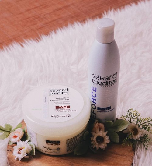 I promised you that I would share you my current hair routine products. It's not all but these 2 are the products that I've used and will gonna use it for a long time.  This is @helensewardindonesia Fortifying Shampoo untuk rambut rontok and 7/M Filler Mask. Helen Seward ada product yang biasa dipakai oleh professional dan asalnya dari Milan, Italy. I've used it for 2 weeks now for the shampoo and 2x for the mask. I've written down full review which you can read on my blog. Direct link on my bio😘 I have to say I'm quite impressed with the mask and THEY ARE VERY AFFORDABLE OMG! And you can purchase them at @beautydept.id❤️ . . #clozetteid #cchannelid #potd #potdindo #vscocam #vsco #vscophile #vscogrid #peoplescreatives #igdaily #instadaily #instastyle #photooftheday #justgoshoot #vscogood #snapseeddaily #snapseed #photoshoot #exploretocreate #vscodaily #beautyjournal #beautyreview #sponsoredreview #helenseward #helensewardindonesia #fortifyingshampoo #fillermask #beautydeptid #beautydept