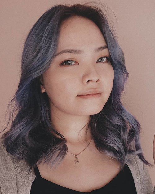 Pas kemaren baru retouch biru nya lagi. Kapan ungu nya klo gini mah hahaBut well I'm kinda digging this blue hair😍Colored hair makes my life so much better....#clozetteID #deeshairjourney #cchannelid #potd #potdindo #vscocam #vsco #vscophile #vscogrid #peoplescreatives #igdaily #instadaily #instastyle #fashionblogger #photooftheday #justgoshoot #vscogood #snapseeddaily #snapseed #photoshoot #exploretocreate #vscodaily #love #balayagehair #bluehair #pulpriotnightfall #pulpriotvelvet#pulpriot #pulpriothair