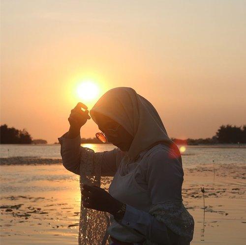 -S e n j a-#senja #sunset #pulaupari #pulauparitrip #clozetteid #clozetters