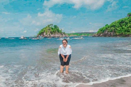 Kangen banget ga sih sama pantai :( Gejolak gue mau ke Bali apa Labuan Bajo tinggi sekali akhir akhir ini :( . . . . . . . . . . #clozetteid #clozetteambassador #khansamanda #travel #nusapenida #diamondbeach #beach #bali #explorebali #exploreindonesia #travelphotography #indotravellers #khansamandatraveldiary  #travelblogger #travelinfluencer #tiktokindonesia #explore #explorepage